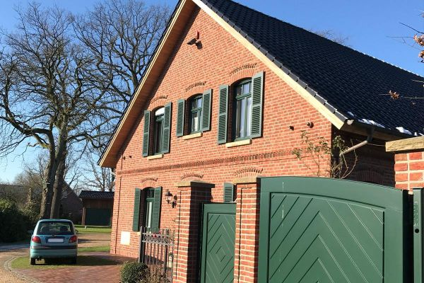 Einfamilienhaus / Landhaus H4 mit Klinker 104-106-NF rot-bunt