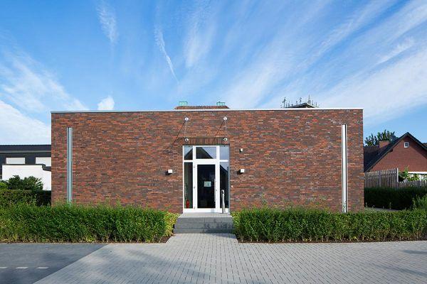 Bürogebäude H1 mit Klinker 102-123-NF braun-rot