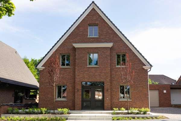 Einfamilienhaus / Landhaus H2 mit Klinker 102-148-RF rustikal, unbesandet