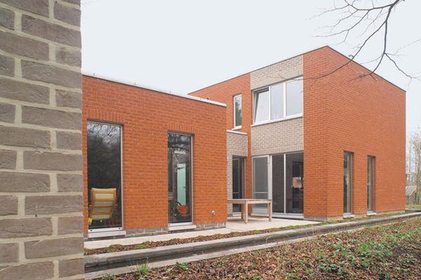 Bürogebäude H2 mit Klinker 103-131-NF rot-bunt