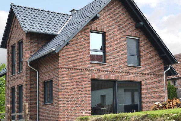Einfamilienhaus H2 mit Klinker 104-104-NF rot-braun