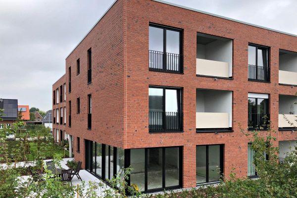 Mehrfamilienhaus H1 mit Klinker 101-146-NF rot, Kohle