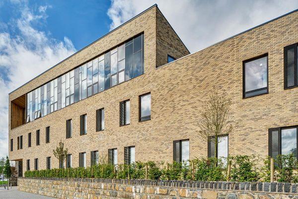Bürogebäude H2 mit Klinker 103-117-WDF gelb-bunt