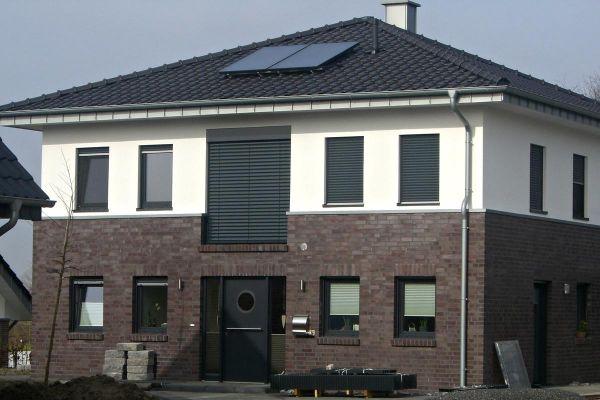Stadtvila / Einfamilienhaus H2 mit Klinker 101-113-NF rot -blau -bunt