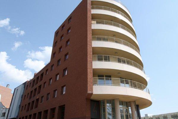 Mehrfamilienhaus H1 mit Klinker 103-131-NF rot-bunt