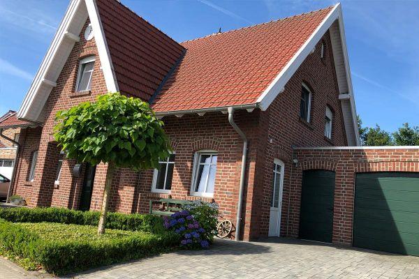 Einfamilienhaus / Landhaus H1 mit Klinker 104-103-NF rot-bunt