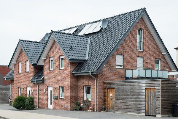 Doppelhaus H1 mit Klinker 102-104-NF rot-blau-braun