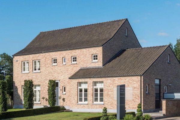 Einfamilienhaus Mit Bürogebäude H7 mit Klinker 103-111-WDF rot-bunt