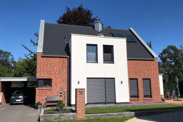 Einfamilienhaus H1 mit Klinker 104-102-NF rot-braun
