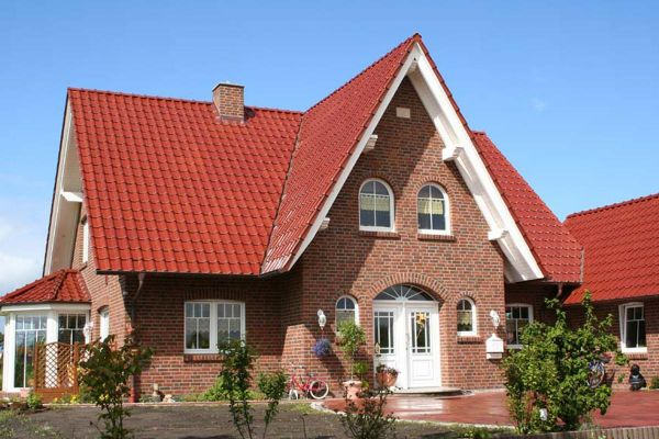 Einfamilienhaus / Landhaus H2 mit Klinker 104-105-NF rot-bunt