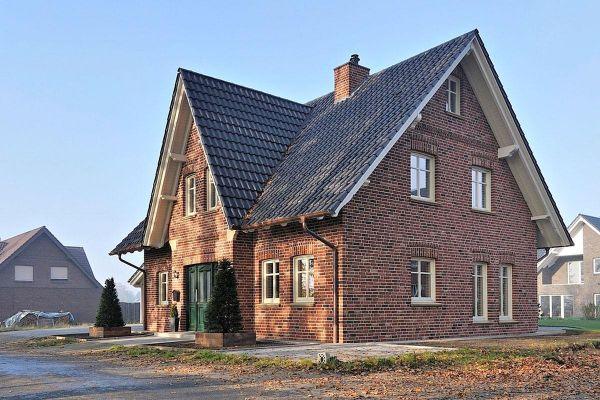 Einfamilienhaus H1 mit Klinker 103-136-NF rot-bunt
