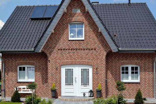 Einfamilienhaus  H2 mit Klinker 104-103-NF rot-bunt
