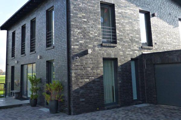 Stadtvilla H6 mit Klinker 101-126-NF schwarz - blau - Kohle