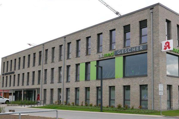 Bürogebäude H1 mit Klinker 102-131-NF beige