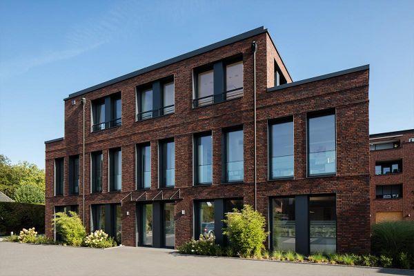 Bürogebäude H1 mit Klinker 102-145-DF braun-rot