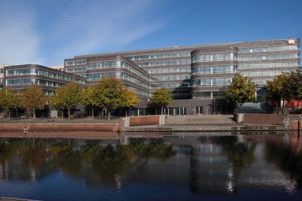Bürogebäude H1 mit Klinker 101-131-NF anthrazit - grau