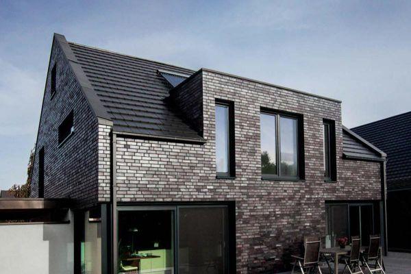 Einfamilienhaus H1 mit Klinker 101-126-NF schwarz - blau - Kohle