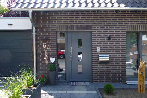 Mehrfamilienhaus mit Klinker 101-158-NF braun - blau - bunt