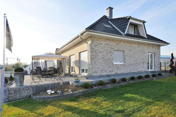 Einfamilienhaus H1 mit Klinker 103-123-WDF grau-bunt
