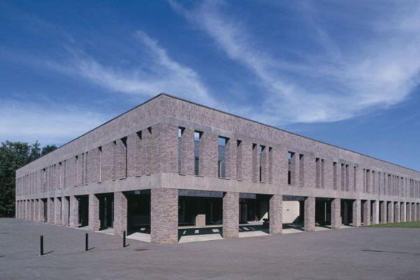 Bürogebäude H2 mit Klinker 103-155-WDF grau, beige nuanciert