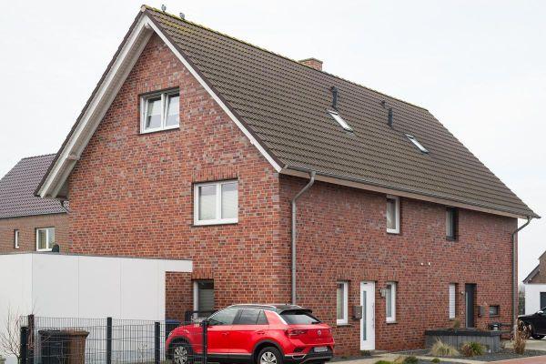 Einfamilienhaus H1 mit Klinker 101-117-NF rot - bunt