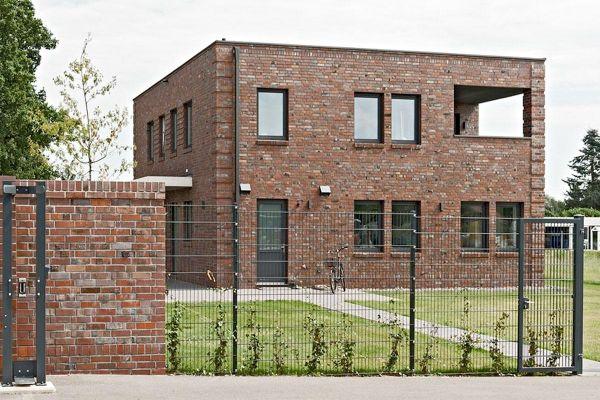 Bauhaus / Luxusvilla H1 mit Klinker 103-207-ModF braun - blau -bunt
