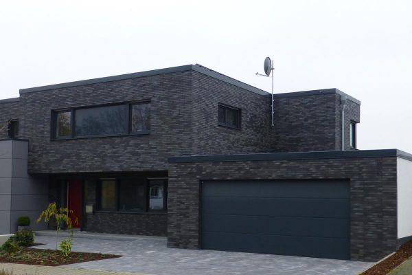 Bauhaus / Einfamilienhaus Im Bauhausstil mit Klinker 101-147-ModF grau - anthrazit