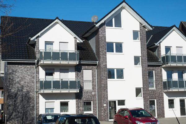 Mehrfamilienhaus H4 mit Klinker 102-110-NF blau-schwarz