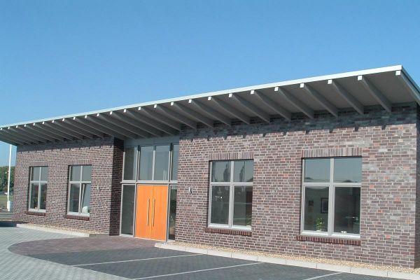 Bürogebäude H2 mit Klinker 101-128-NF rot -blau -bunt