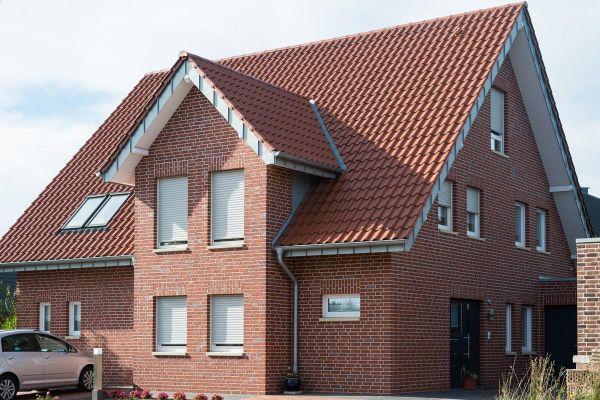 Einfamilienhaus H1 mit Klinker 102-118-NF rot-Kohle