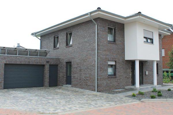 Stadtvila / Einfamilienhaus H2 mit Klinker 101-107-DF braun - grau - geflammt