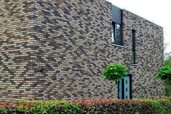 Bürogebäude mit Klinker 103-116-WDF braun-bunt