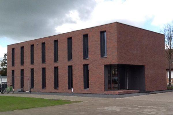 Bürogebäude H1 mit Klinker 101-149-NF rot - bunt