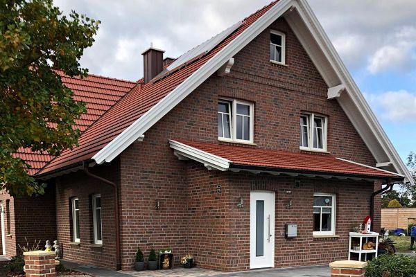 Landhaus H2 mit Klinker 101-129-NF rot - Kohle