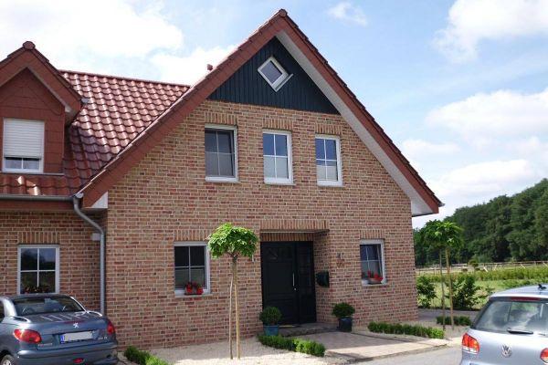 Einfamilienhaus / Landhaus H5 mit Klinker 104-107-NF gelb-bunt
