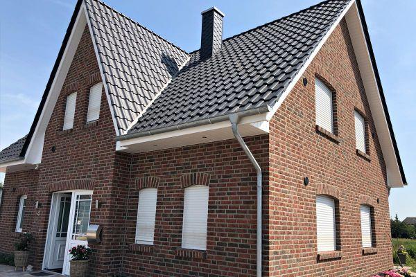 Einfamilienhaus H6 mit Klinker 104-101-NF rot-braun