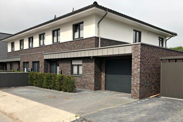 Doppelhaus H4 mit Klinker 101-108-NF braun - grau - geflammt