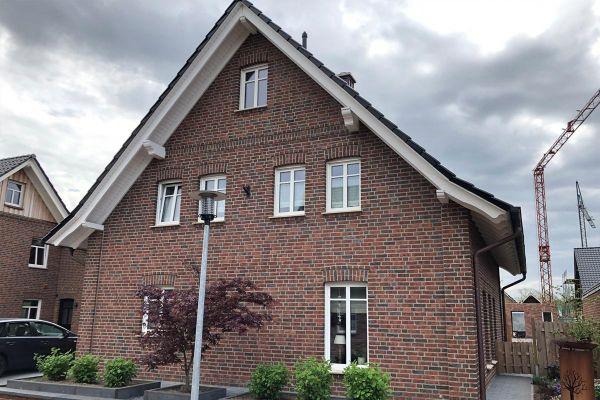 Einfamilienhaus H6 mit Klinker 104-105-NF rot-bunt