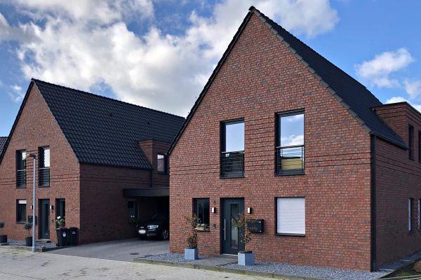Landhaus H4 mit Klinker 101-129-NF rot - Kohle