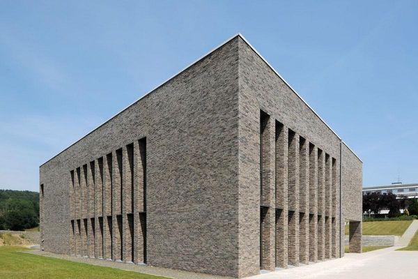 Bürogebäude H4 mit Klinker 103-112-WDF grau-bunt