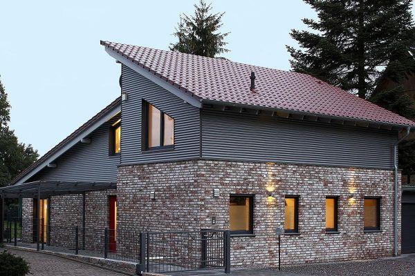 Einfamilienhaus Mit Pultdach H5 mit Klinker 104-112-NF braun-weiß