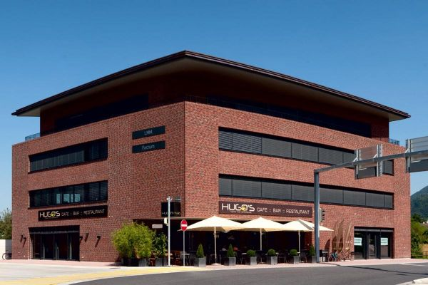 Bürogebäude H6 mit Klinker 104-106-NF rot-bunt