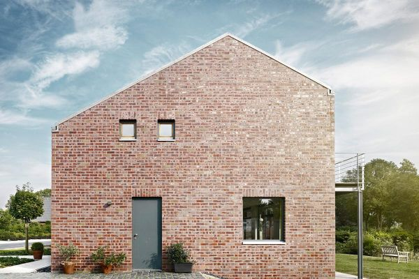 Einfamilienhaus H1 mit Klinker 101-104-NF rot - bräunlich