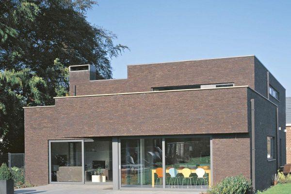 Bauhaus / Luxusvilla H1 mit Klinker 103-187-WDF braun, antrazit nuanciert