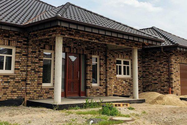 Einfamilienhaus H12 mit Klinker 104-109-NF rot-bunt