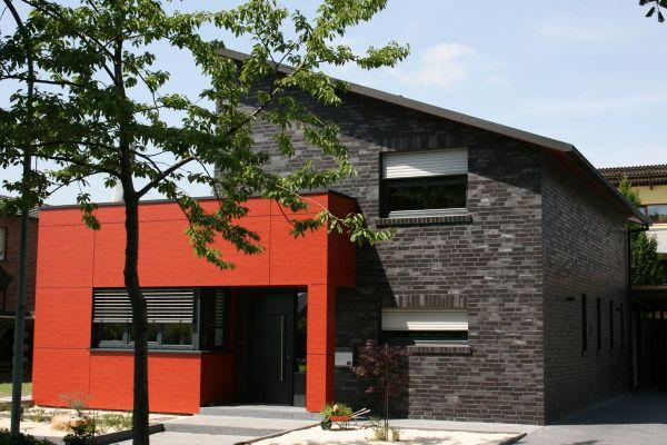 Einfamilienhaus Mit Pultdach H2 mit Klinker 101-126-NF schwarz - blau - Kohle