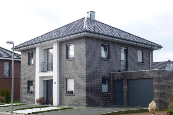 Stadtvilla H1 mit Klinker 101-127-NF schwarz - blau -bunt