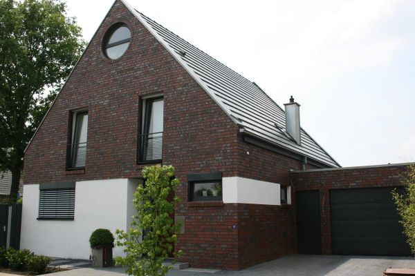 Einfamilienhaus Mit Putz H2 mit Klinker 101-106-NF rot - bräunlich -Kohle
