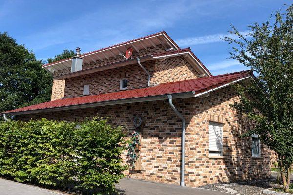 Einfamilienhaus H8 mit Klinker 104-109-NF rot-bunt