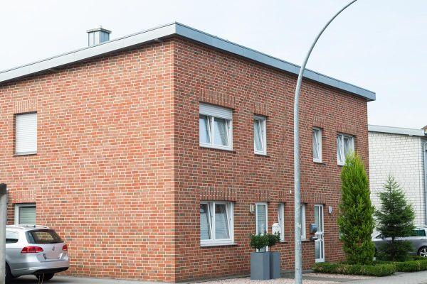 Mehrfamilienhaus H2 mit Klinker 102-103-NF rot -bunt